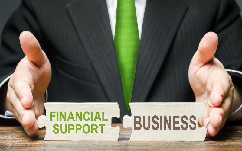 Here's What Makes An Effective & Attractive Compensation & Benefit Strategy
